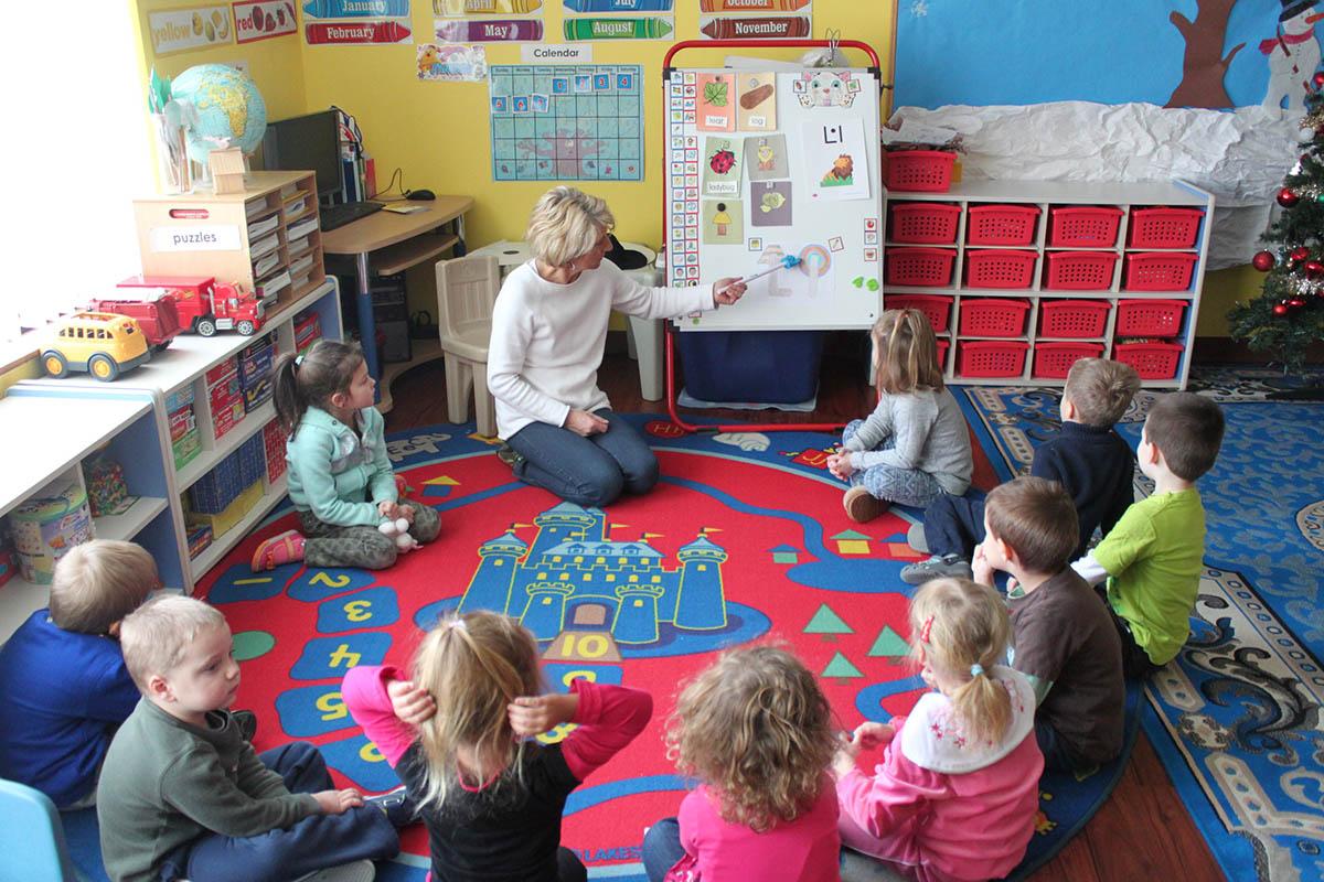 Kinder Garden: Pinocchio Child Care Early Education Pre School